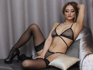 live webcam performer Naomi94