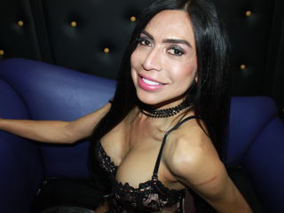 Cam girl AndriuTs's live sex chat room on ChatWebcams.xxx