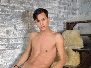 HornySportBoy sex chat room