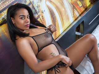 hot cam girl fingering BonnieBlack