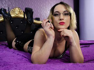 MistressKali cam and chat