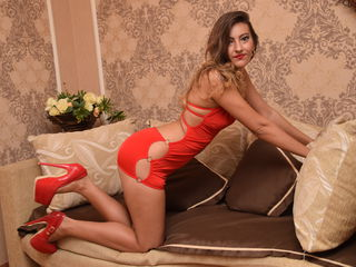 adult cam sex DivinneGloria