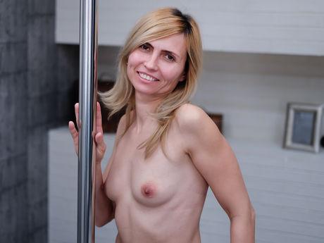 MatureSelena | Cams Pornoxo