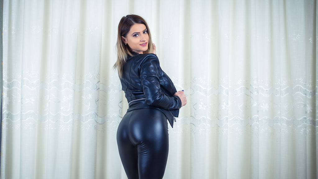 Watch the sexy CelinneAnn from LiveJasmin at GirlsOfJasmin