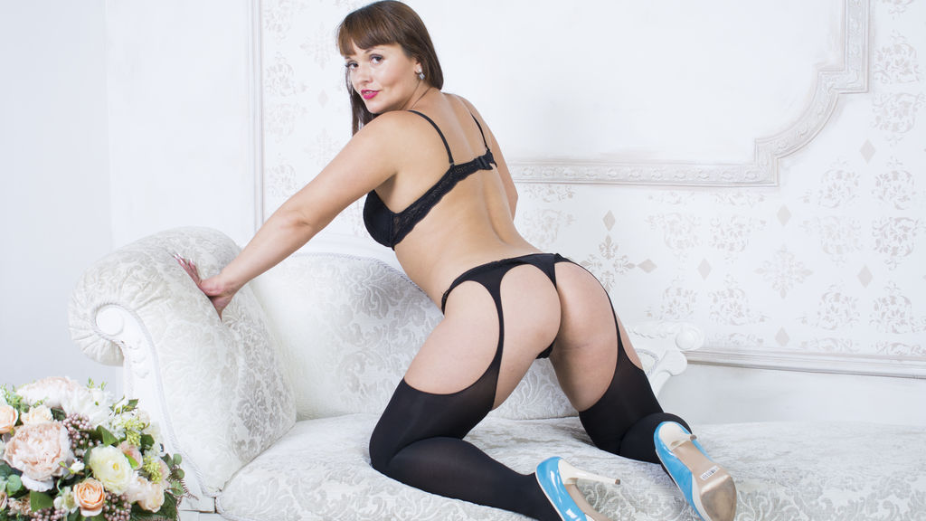 Watch the sexy prettyassforu from LiveJasmin at GirlsOfJasmin