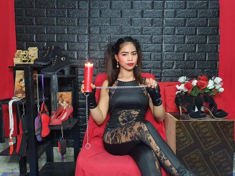 Live show with Mistress ChrissyStewart