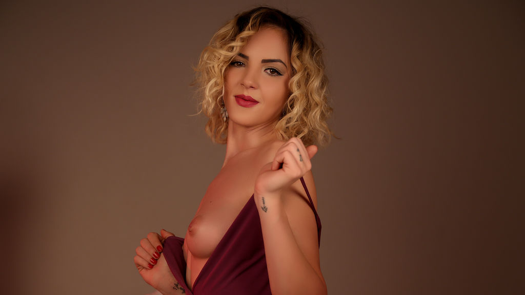 WorthyCleo online at GirlsOfJasmin