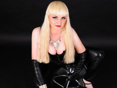 Live show with Mistress 9InchHeelsMiss