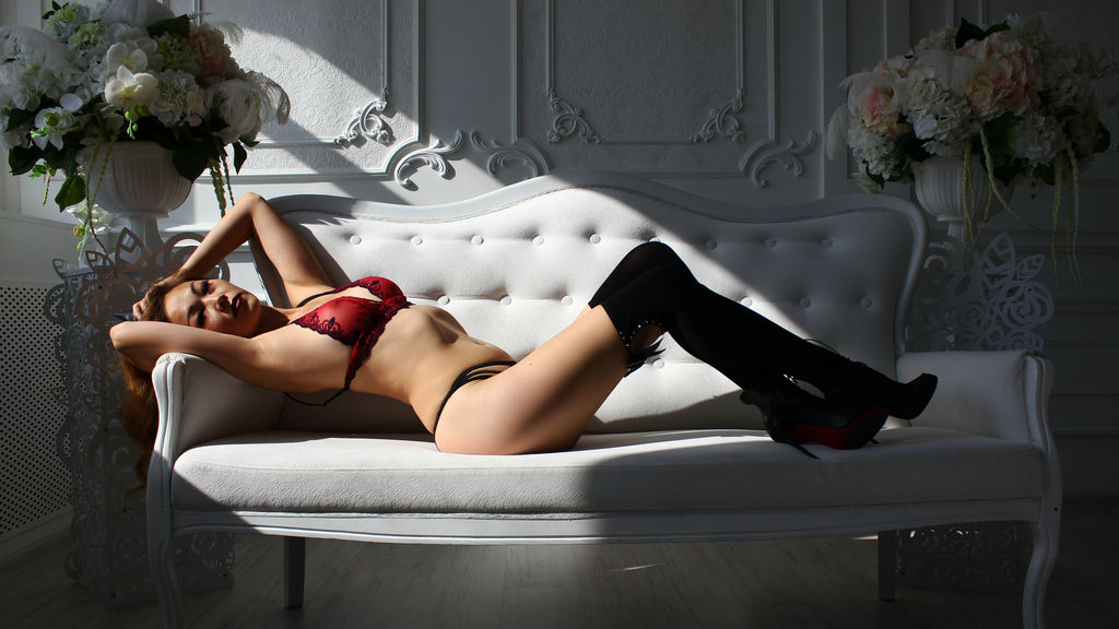 Discover and Live Sex Chat with MissStardust on Live Jasmin