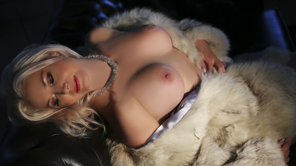 Watch the sexy SensualXMature from LiveJasmin at GirlsOfJasmin