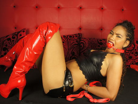 Live show with Mistress BEAUTIFULLcurlyy