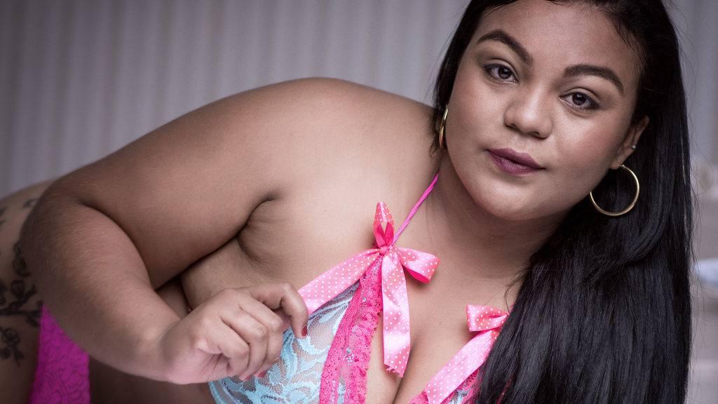 VioletaBell online at GirlsOfJasmin