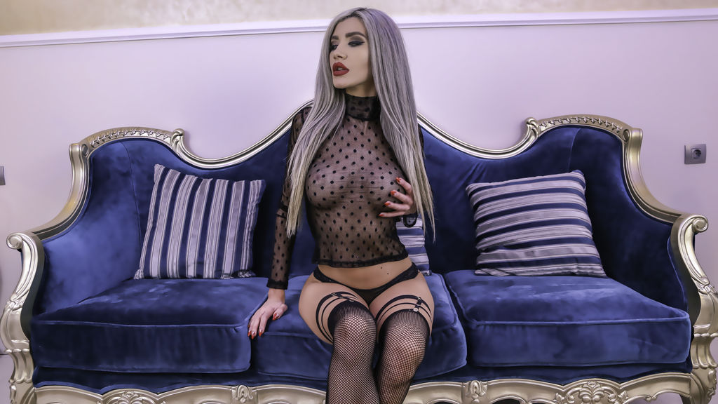 Watch the sexy BrianaBelle from LiveJasmin at GirlsOfJasmin