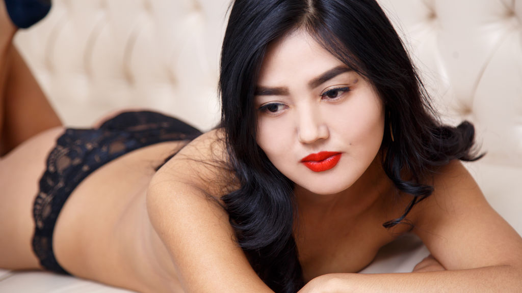 Watch the sexy Saurra from LiveJasmin at GirlsOfJasmin