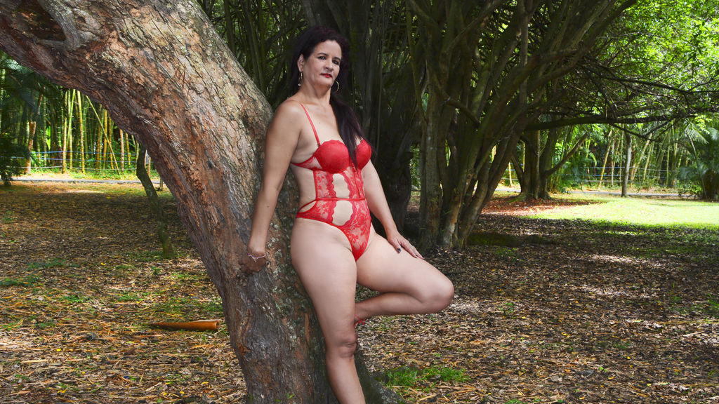 nicolmature online at GirlsOfJasmin