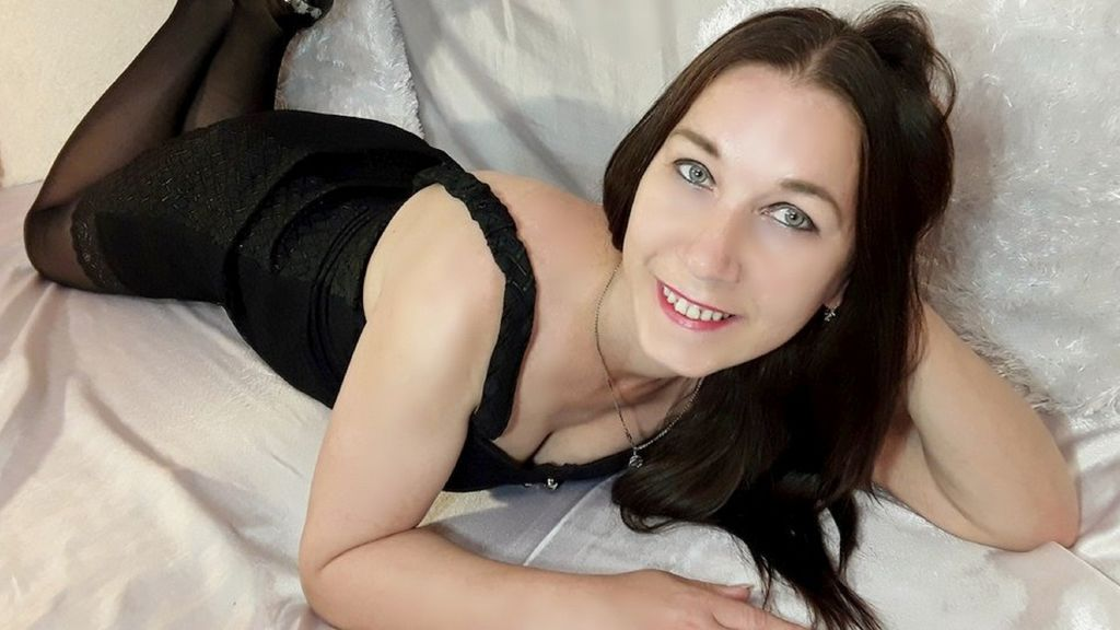 Watch the sexy Kinkymaidx from LiveJasmin at GirlsOfJasmin