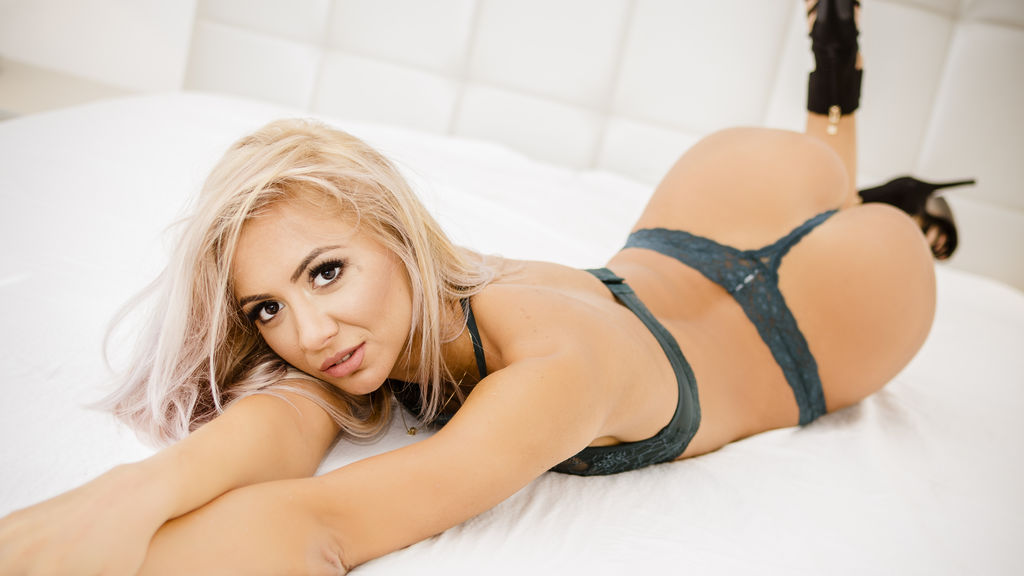 Watch the sexy JessicaGonzalez from LiveJasmin at GirlsOfJasmin