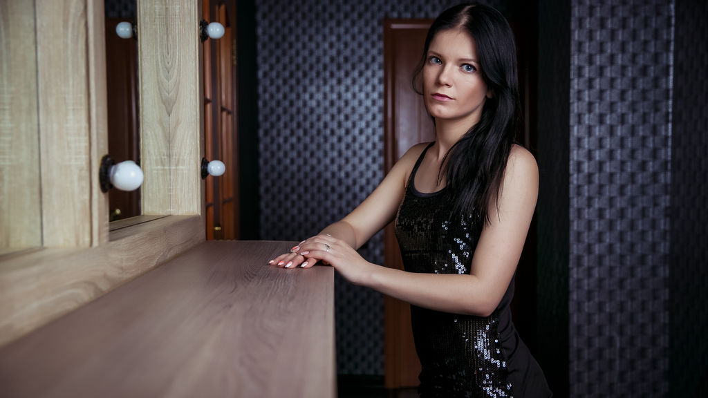 DianaMoor online at GirlsOfJasmin