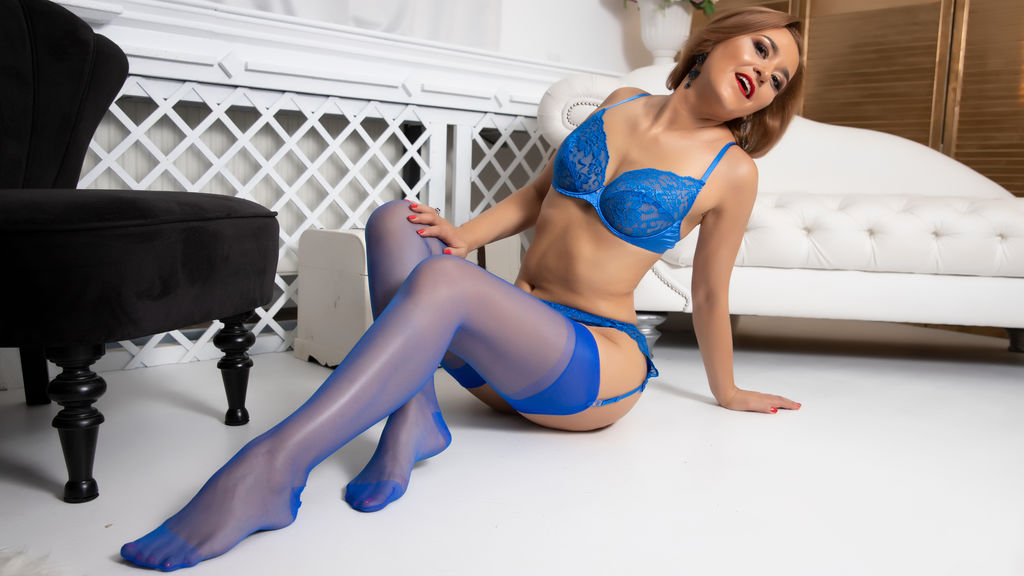 Watch the sexy KateQueenX from LiveJasmin at GirlsOfJasmin