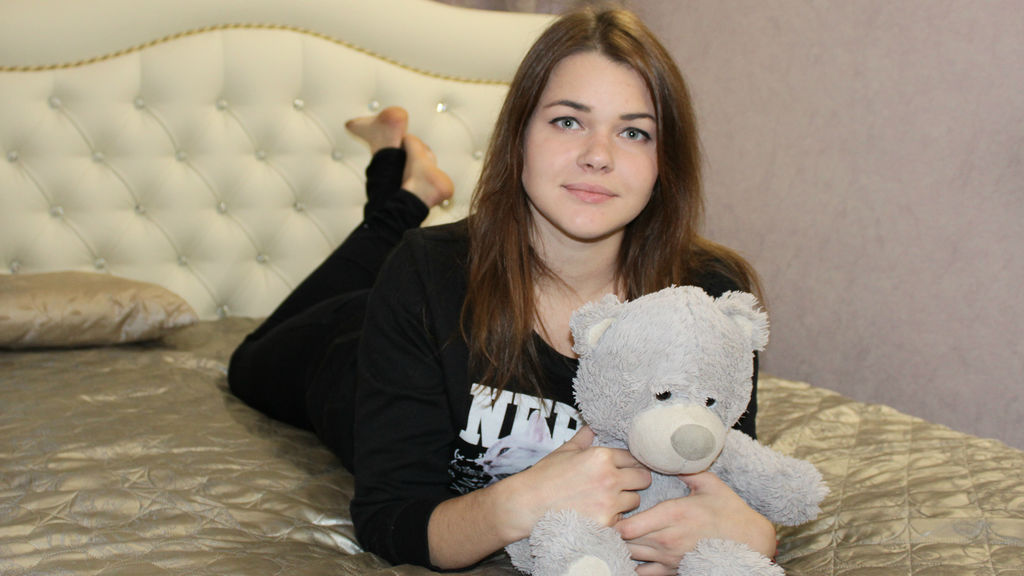 SophieLoov online at GirlsOfJasmin