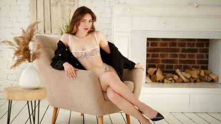 photo of MiaEven